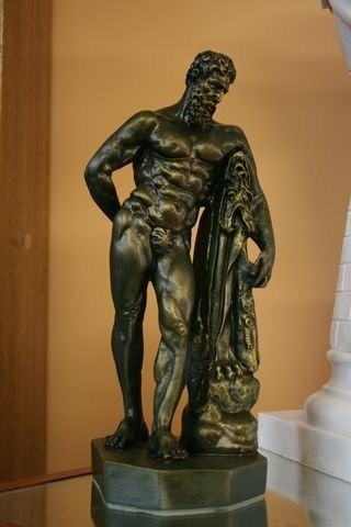 MAGNIFICENT GRECIAN MALE SCULPTURE STATUE