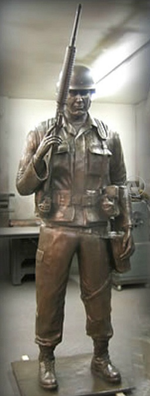 MAGNIFICENT* AMERICA'S SOLDIER STATUE SCULPTURE